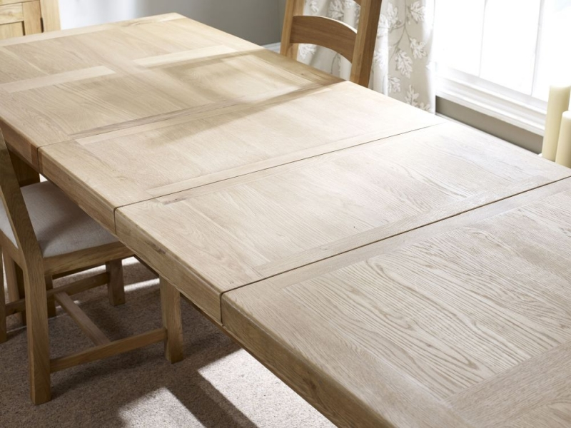 Corndell Fairford Oak Large Extending Dining Table