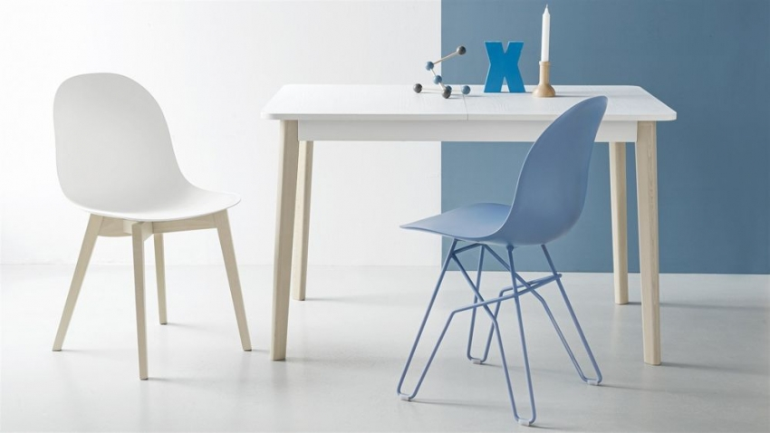 Connubia Academy Plastic Dining Chair with Solid Wood Legs (Pair)