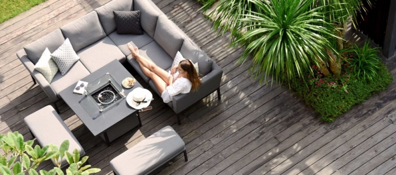 Maze Lounge Outdoor Pulse Flanelle Fabric Square Corner Dining Set with Rising Table