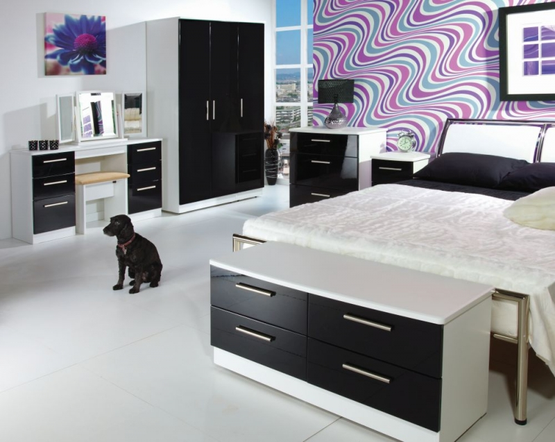 Knightsbridge 3 Drawer Deep Chest - High Gloss Black and White