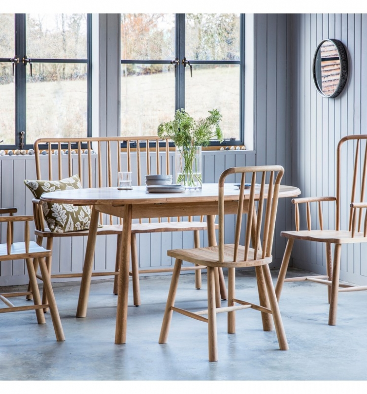Hudson Living Wycombe Oak Round Extending Dining Table with 2 Dining and 2 Carver Chairs