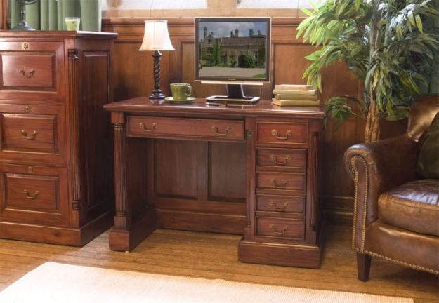Baumhaus La Roque Mahogany Single Pedestal Computer Desk
