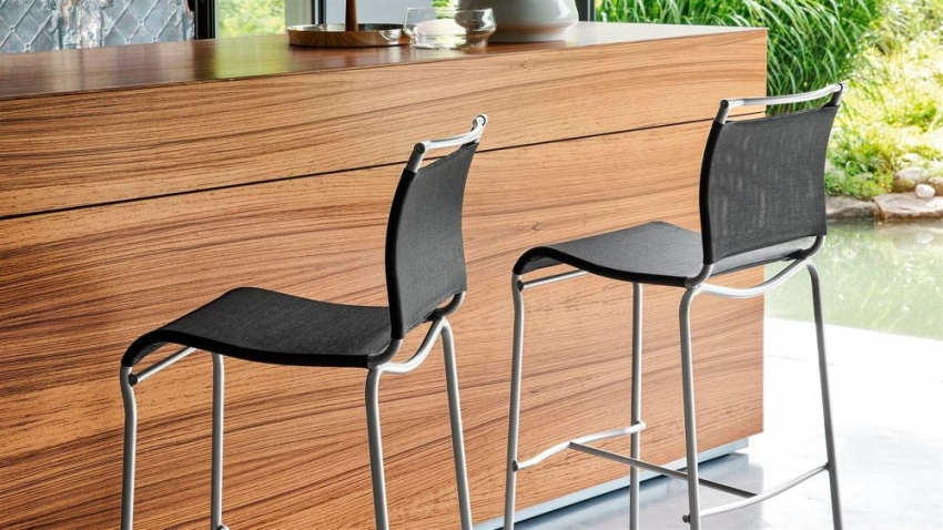 Connubia Air Metal Bar Stool with Footrest