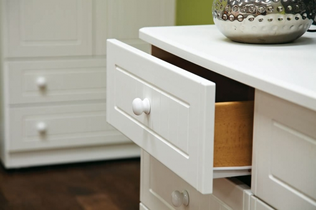 Warwick Cream Chest of Drawer - 4 Drawer