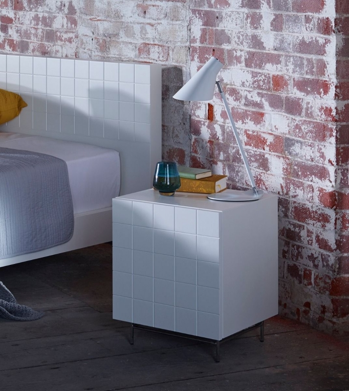 Hoxton White 1 Door Right Hand Facing Bedside Cabinet